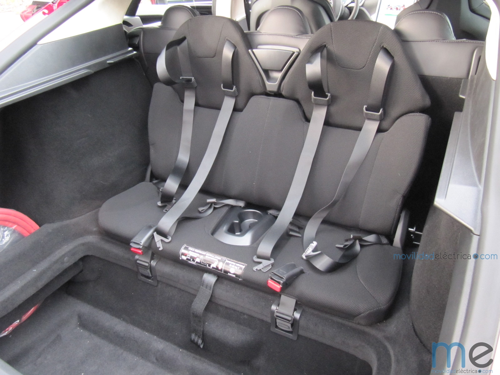 Tesla Model S tercera fila asientos
