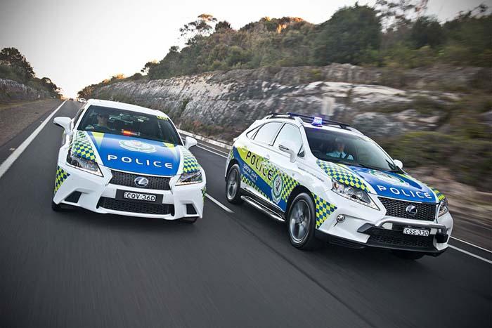 Lexus híbrido policia -700
