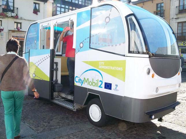 exhibición vehículos eléctricos autónomos león
