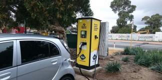 Cargador de Circontrol en la autopista australiana