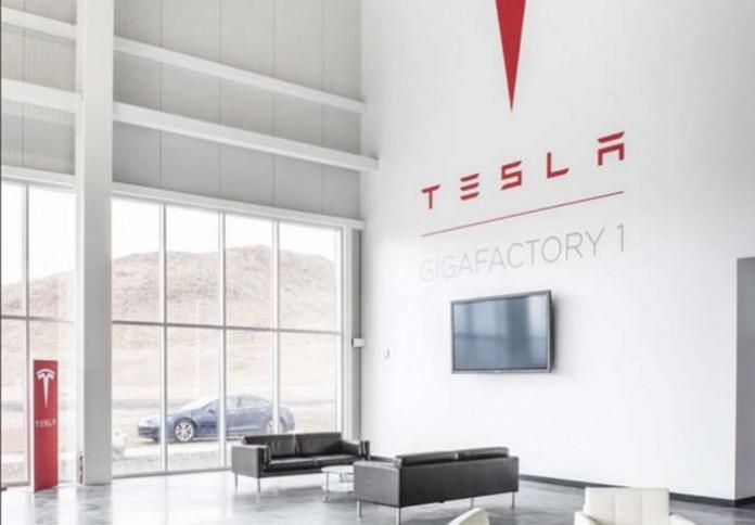 interior gigafactory 1 de tesla motors