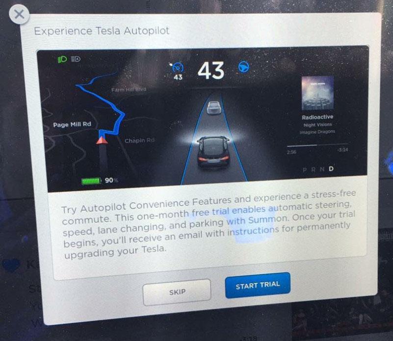 Mensaje deTesla Motors invitando a probar el Autopilot