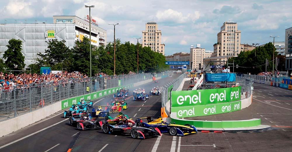 Curva 1 del ePrix de Berlín