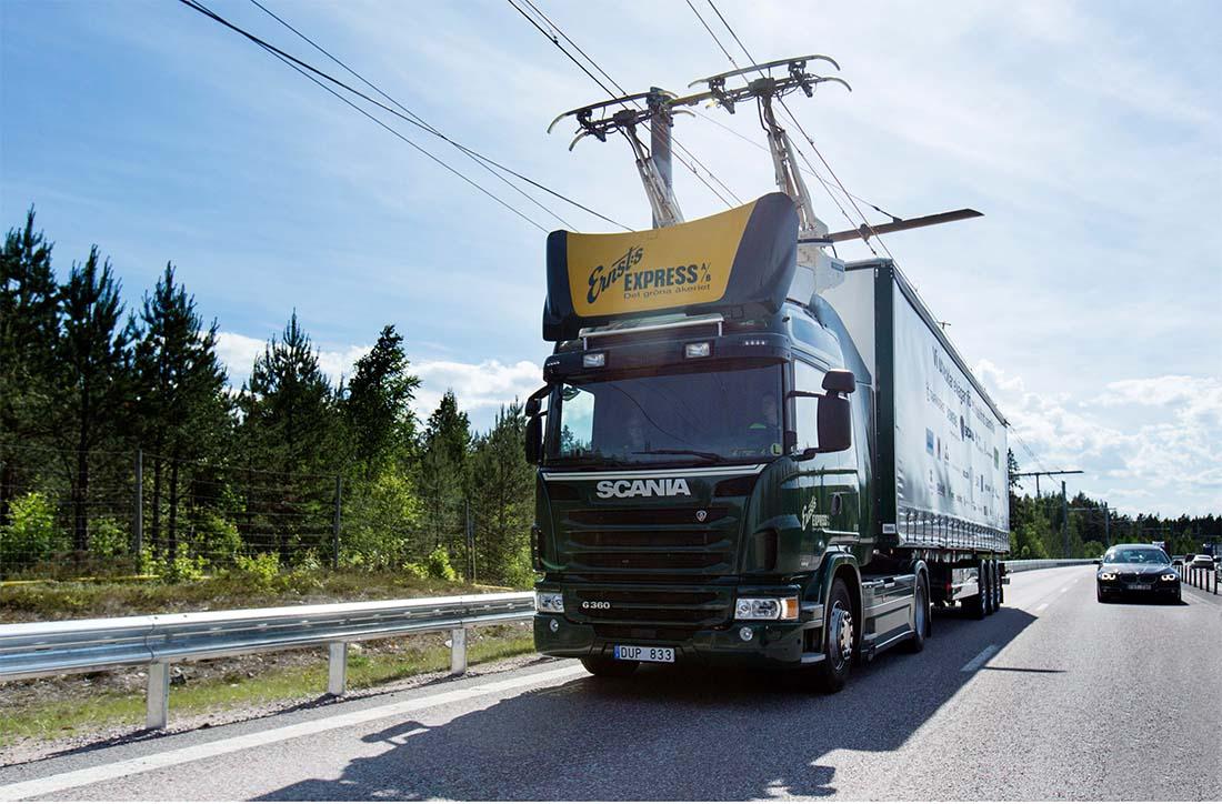 Camión Scania en la autopista eléctrica de Siemens en Suecia