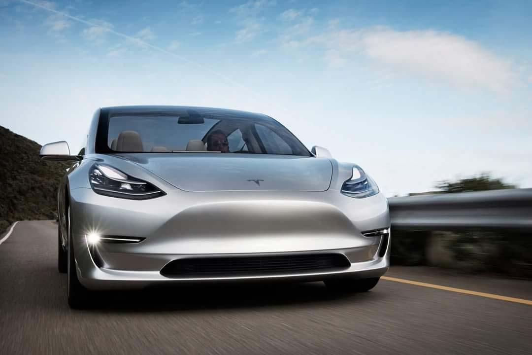 Tesla Model 3-plata-frontal