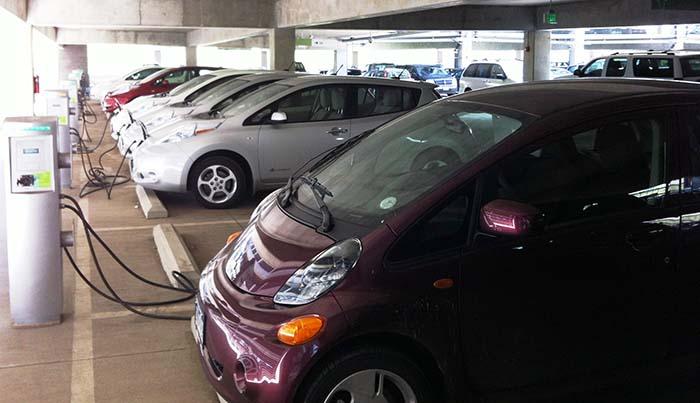 Acuerdo para el aumento de vehículos eléctricos en las flotas gubernamentales
