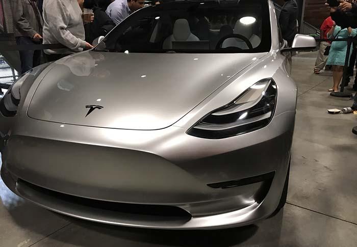 Tesla ajusta el precio del Model S a las ayudas en Alemania
