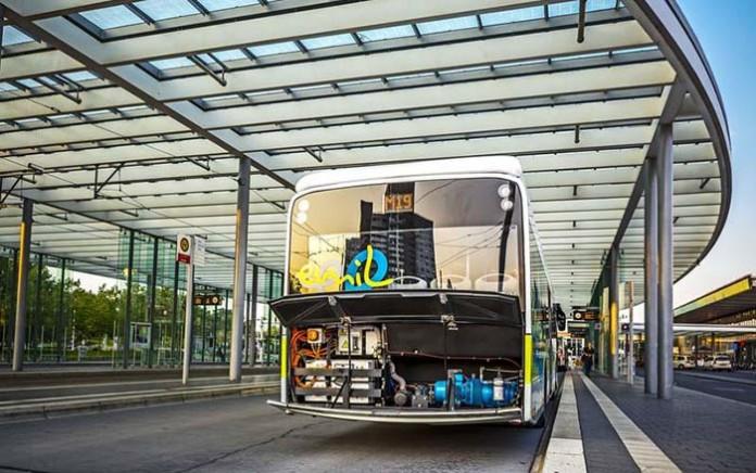 Sistema de carga Bombardier Primove embarcado en un autobúes eléctrico Braunschweig Alemania