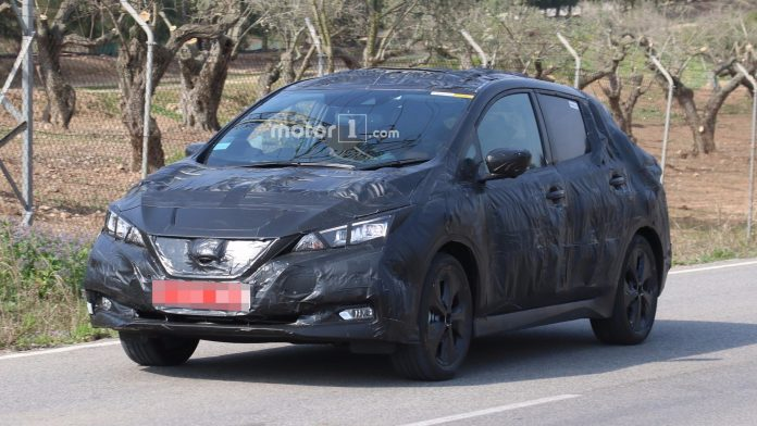 Foto del nuevo Nissan Leaf camuflado
