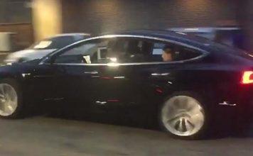 Tesla Model 3, limitado a 75 kWh y sin motor motor dual ni head-up display