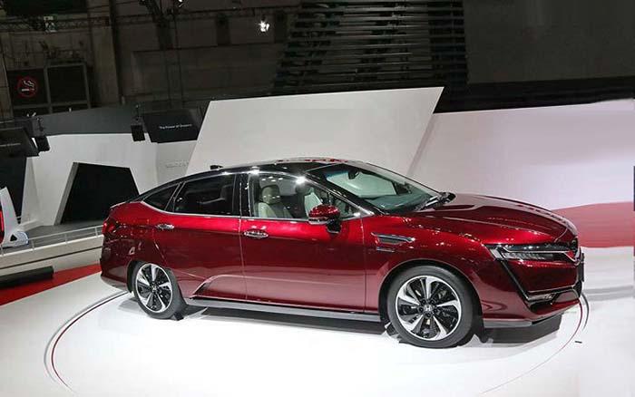 Honda Clarity híbrido enchufable en el Salón de Nueva York 2017