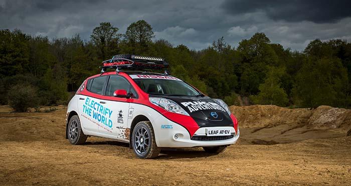 Nissan Leaf AT-EV pilotado por Chris Ramsey, fundador de Plug In Adventures