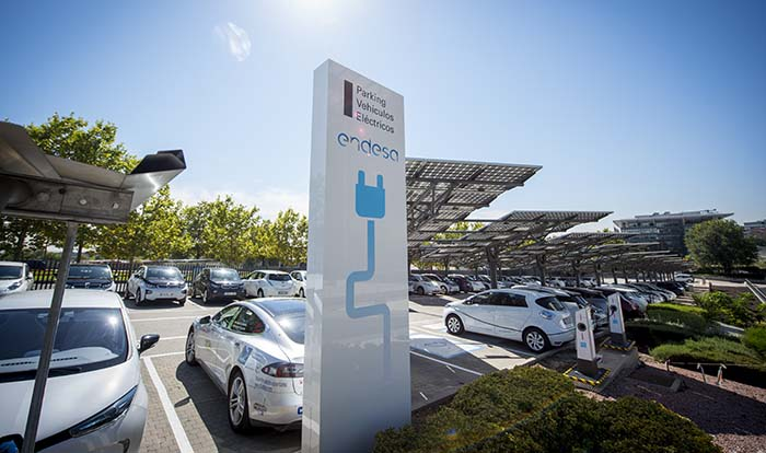 Parking para coches eléctricos en la sede social de Madrid de Endesa - III Plan de Movilidad Sostenible
