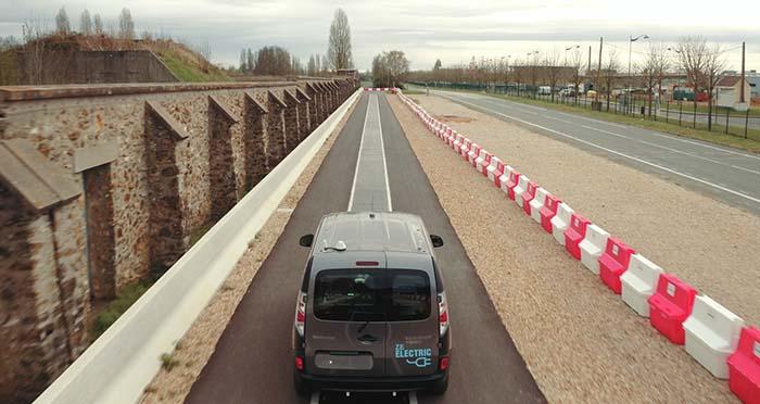 Pista de pruebas de 100 metros de longitud en la que se ha instalado el sistema principal de carga