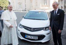 El Opel Ampera-e es el último coche del Papa Francisco