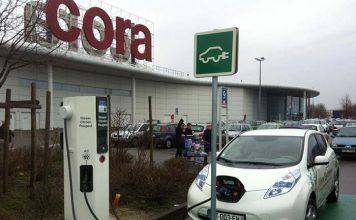 Uno de los cargadores DBT de la red de recarga de Nissan en Europa