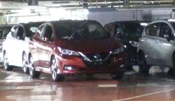 Nuevo Nissan Leaf 2018. Foto espía tomada en la planta det Oppama
