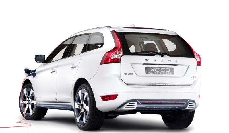 Volvo XC60 híbrido enchufable completo