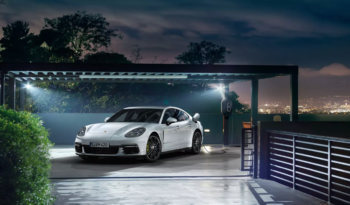 Porsche Panamera 4 E-Hybrid completo