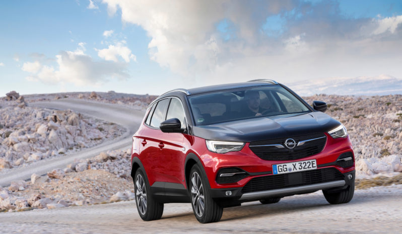 Opel Granland X PHEV completo