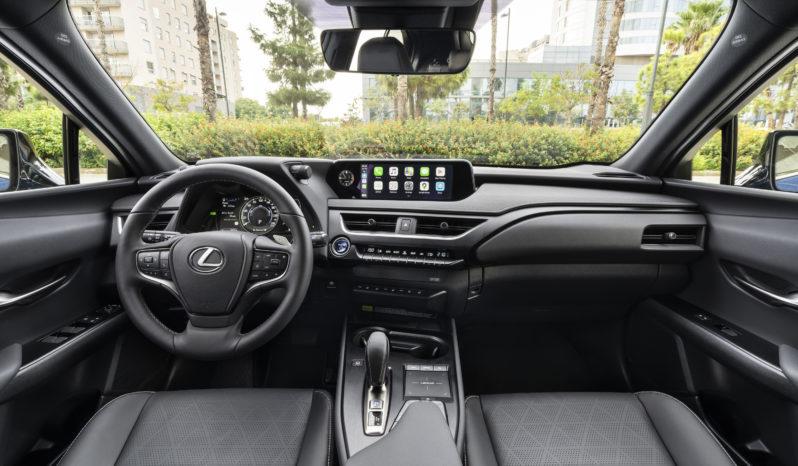 Lexus UX 300e completo