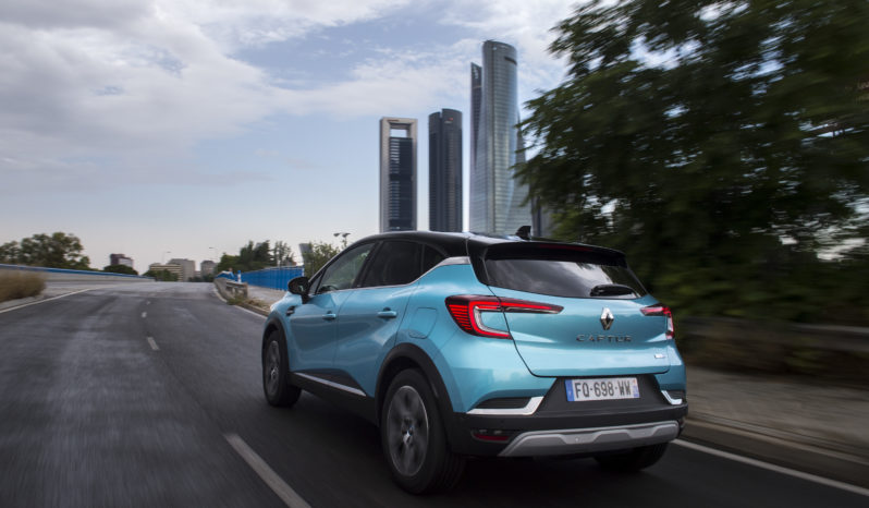 Renault Captur E-TECH Plug-In completo