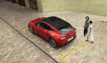 Ford Mustang Mach-E completo