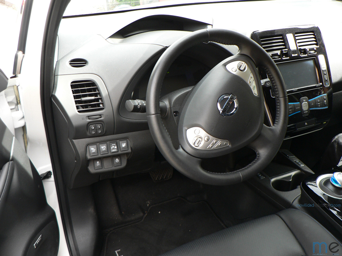 nissan leaf interior - 700