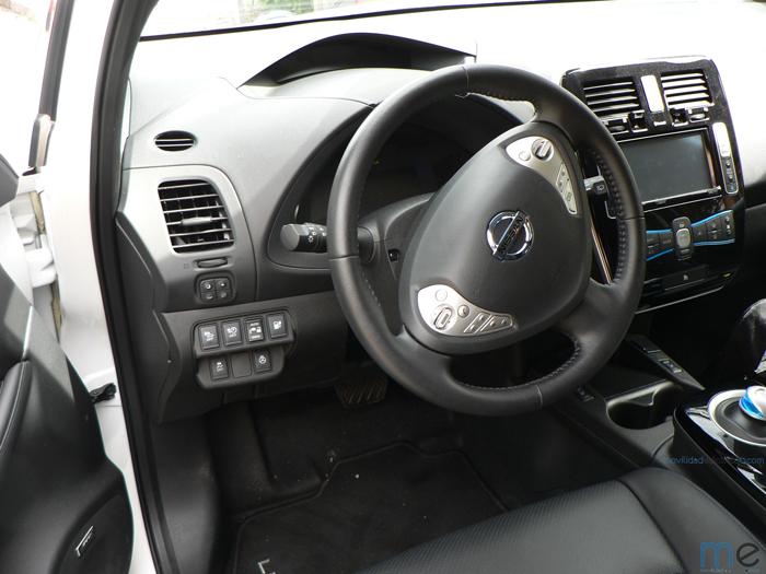 nissan leaf interior - 700