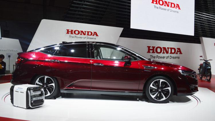 Honda Clarity FCV- Foto Autoblog