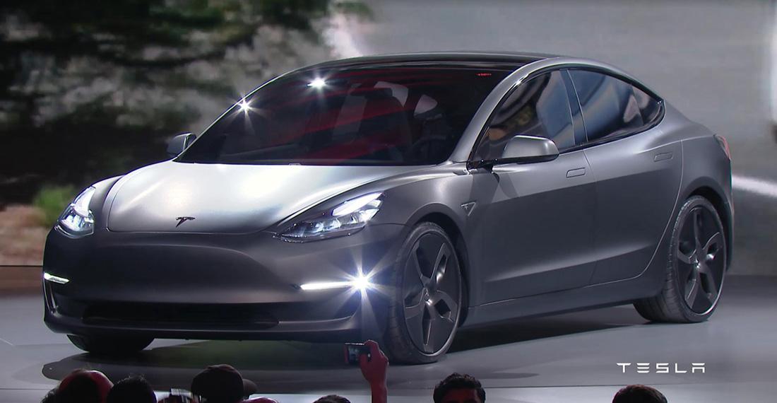 Tesla Model 3 en la presentación de Los Ángeles