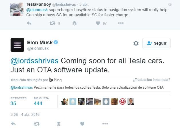 Tweet de Elon Musk anuniciando la actualización por OTA