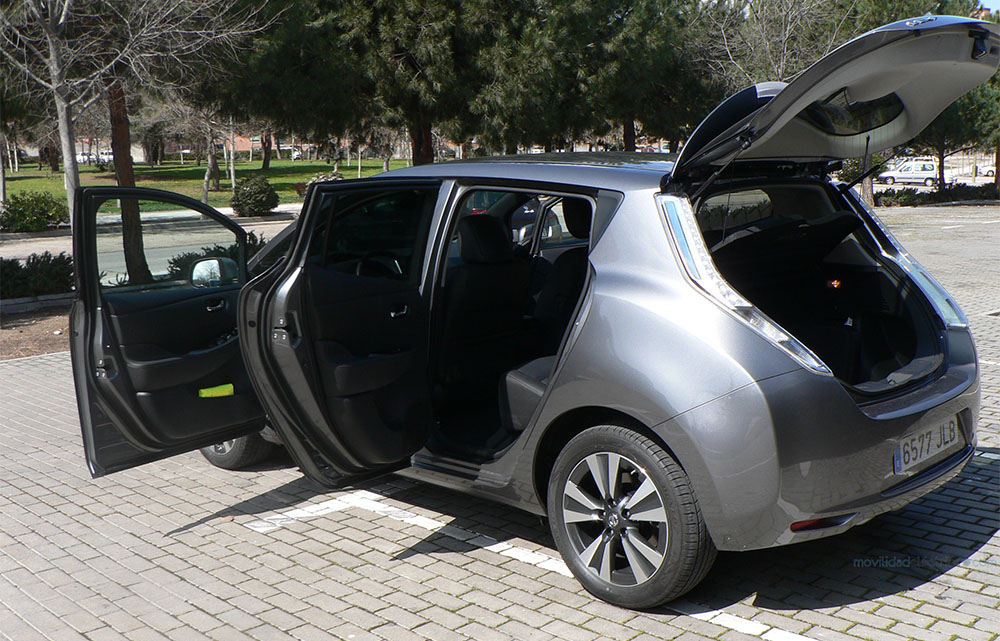 Nissan Leaf 30 kWh-vista lateral trasera