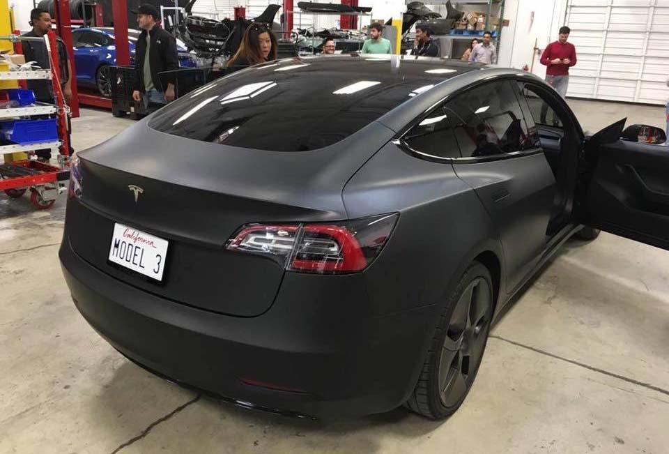 Tesla Model 3 negro mate