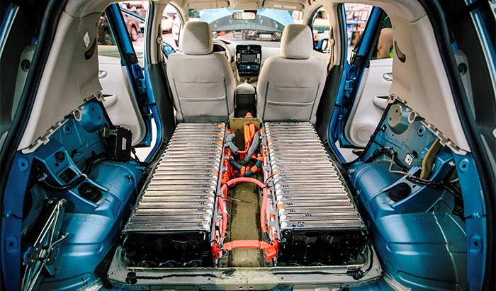 Dos baterías de 24 kWh montadas en la oarte trasera del Nissan Leaf