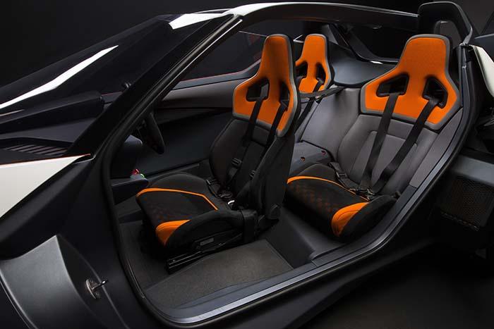 Interior del Nissan Bladeglider - imagen de Nissan