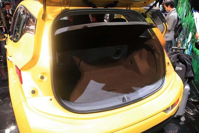 El Opel Ampera-e llega a París