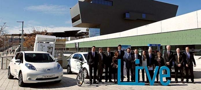 Firma del convenio de colaboración de Nissan con la Plataforma Live