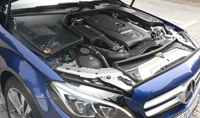 Mercedes-Benz C350e - Motor