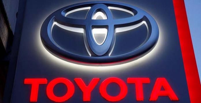 Toyota patenta un sistema de carga a pedales