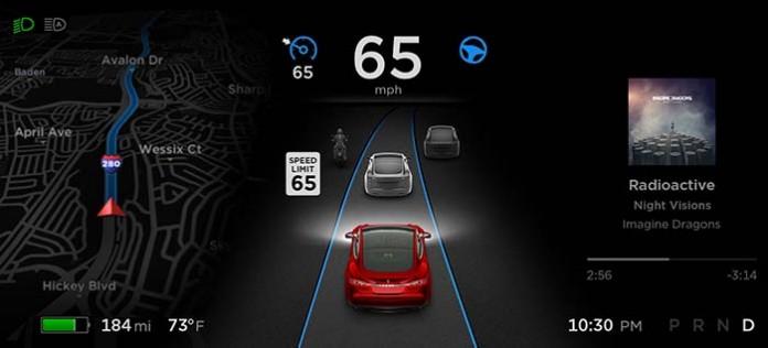 El Autopilot obligará a cumplir los límites de velocidad