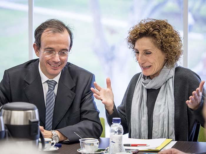Rafael del Río director técnico de AEDIVE e Isabel García alcaldesa del Ayuntamiento de Santa Perpètua de Mogoda