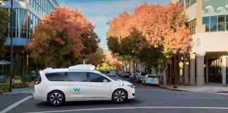 Waymo cuenta con 100 Chrysler Pacífica PHEV autónomos
