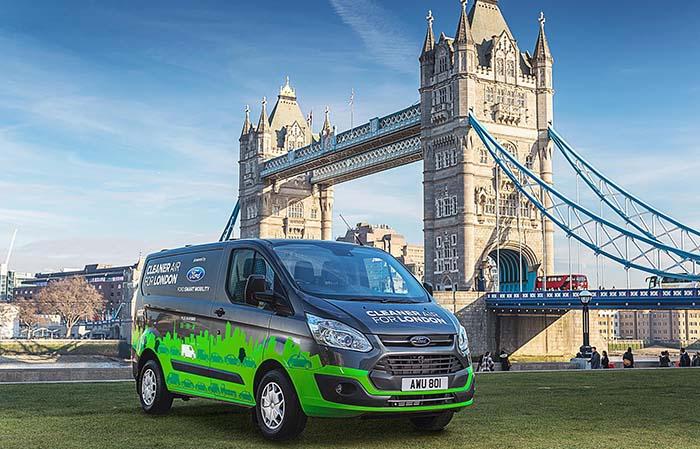 Londres prueba las furgonetas híbridas enchufables de Ford