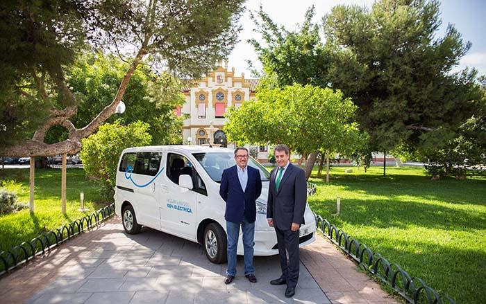 Nissan apuesta por la movilidad sostenible en Málaga. Nissan y ADISABES