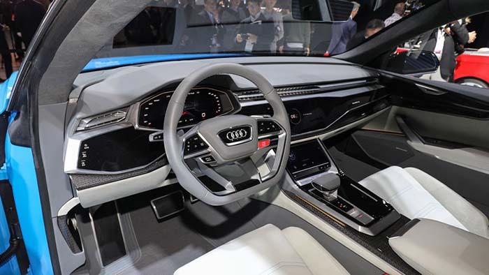 Pantallas y superficies táctiles del Audi Q8 Concept