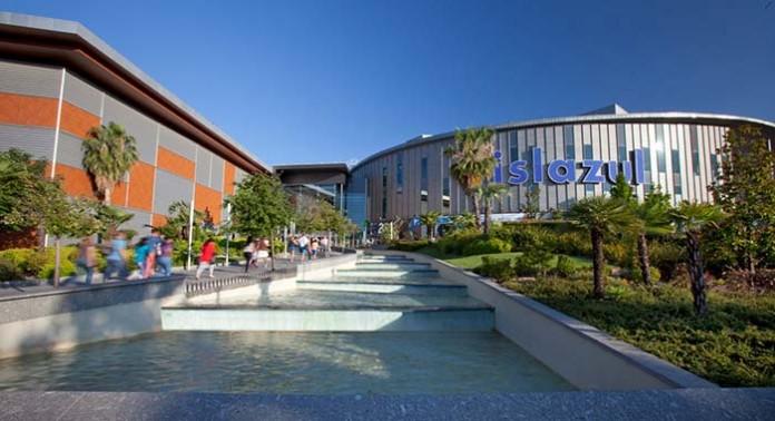 Centro Comercial Isla Azul