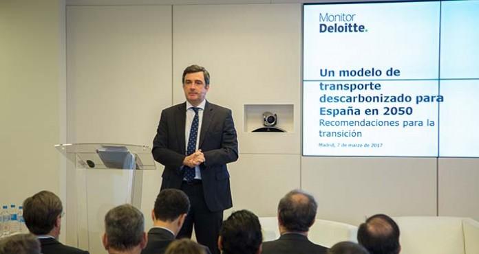 Alberto Amores, socio de Monitor Deloitte durante la presentación