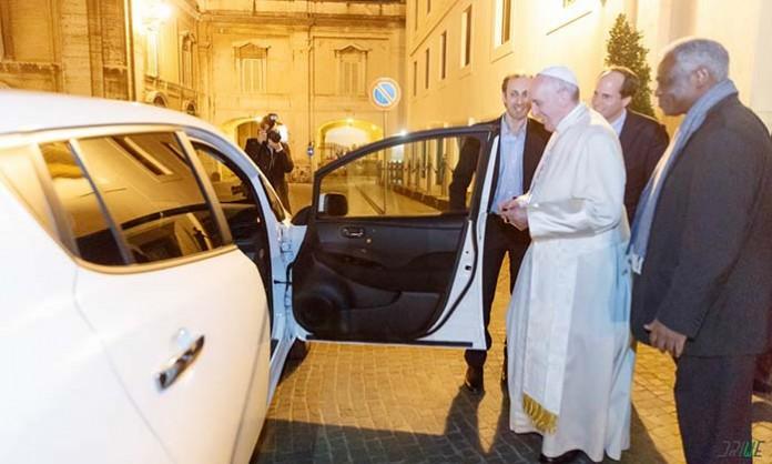 El Nissan Leaf que utilizará el Papa Francisco