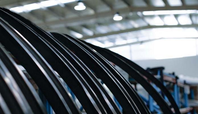 Hyperloop y Carbures comienzan a construir la primera cápsula de pasajeros